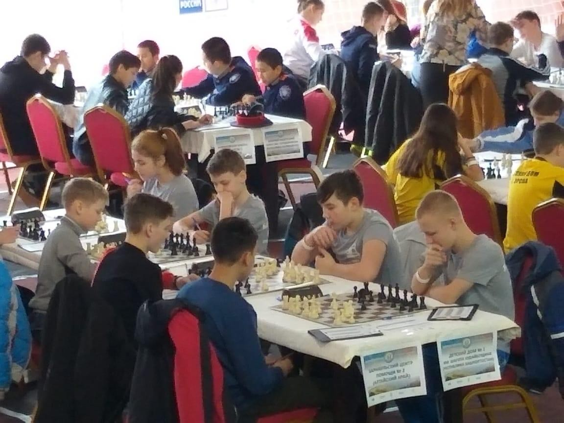 Ребята из Башкирского детского дома №1 сыграли в шахматы в Сочи