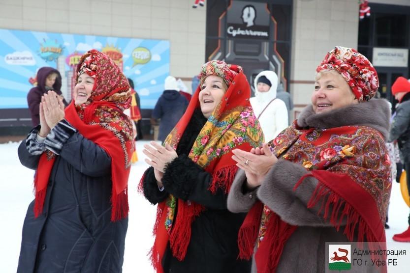 В Уфе проходят праздничные рождественские гуляния