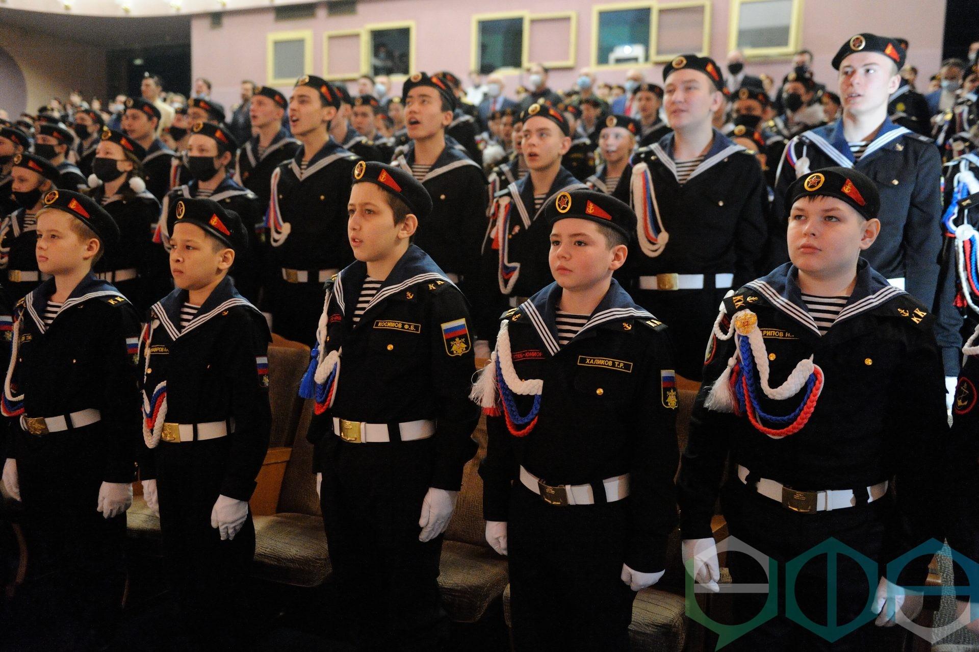 В Уфе состоялось посвящение в кадеты республиканского военно-патриотического кадетского центра морской пехоты «Витязь-юниор»
