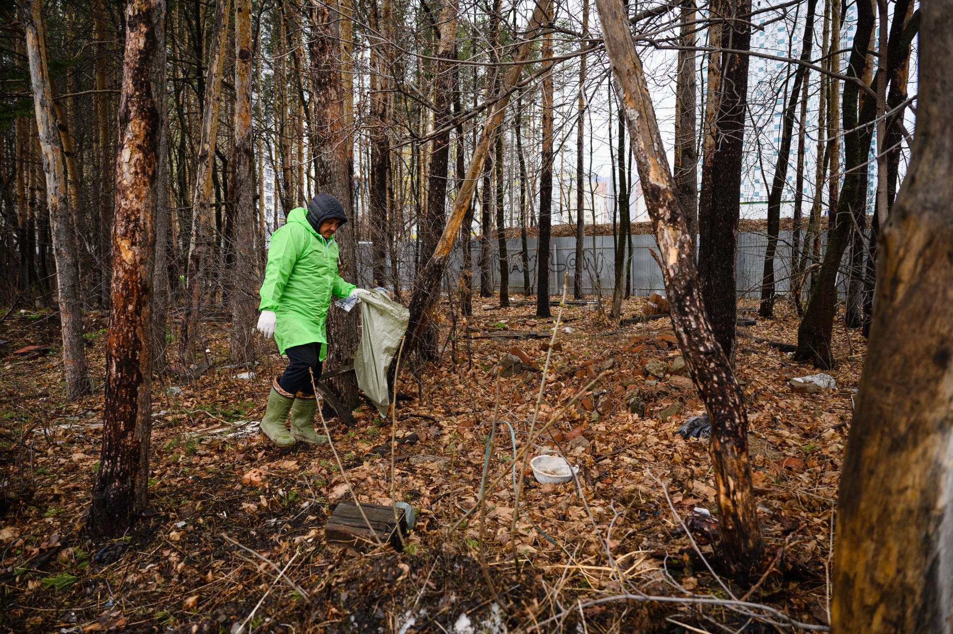 В Уфе в Кошкином лесу прошел субботник